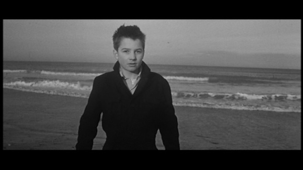 Fig. 3. The last shot of Les 400 coups (Truffaut, 1959).